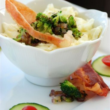 Scrambled Egg Whites with Broccoli and Turkey Bacon